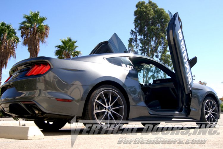 Ford Mustang GT with bolt on vdi vertical door installation kit. Bolt on lambo doors : verticle doors - pezcame.com