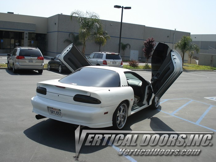 93 97 chevrolet camaro vertical doors lambo kit bolt on. Black Bedroom Furniture Sets. Home Design Ideas
