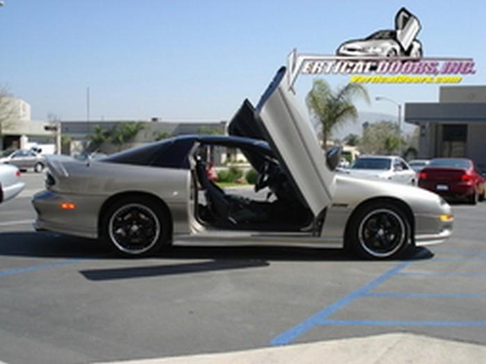 2002 Chevrolet Camaro VDI vertical door lift kit. Lambo door kit fits on 98 & 98-02 CHEVROLET CAMARO VERTICAL DOORS LAMBO KIT BOLT ON VDI - Rim ...